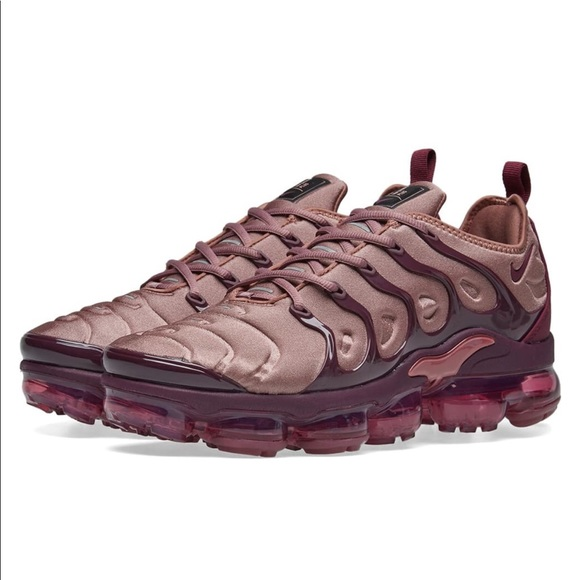 Nike Shoes - Make offer - Vapormax Plus - Smokey Mauve